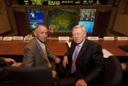 Charles Bolden šef NASA (lijevo) i Anatoly Perminov šef RSA (desno)